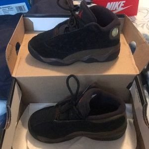 Jordan Shoes - Jordan 13 black and olive size 9c
